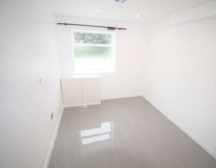 1 Bedroom House, Leswin Place, London N16