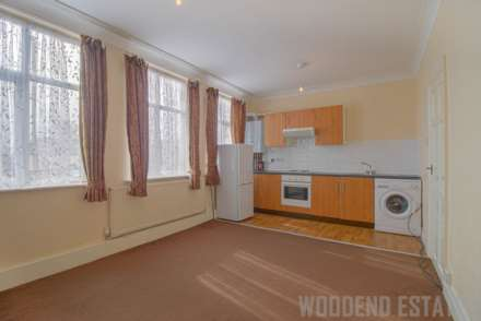 1 Bedroom Flat, Byron Parade, Hillingdon