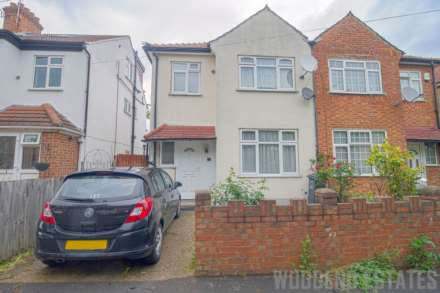 3 Bedroom Semi-Detached, Spring Grove Crescent, Hounslow
