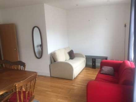 2 Bedroom Duplex, Terrace Gardens, Watford