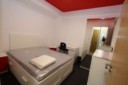 Room 9A Kings Court new development fully furnished student accommodation all bills included - NO FEES, Image 1