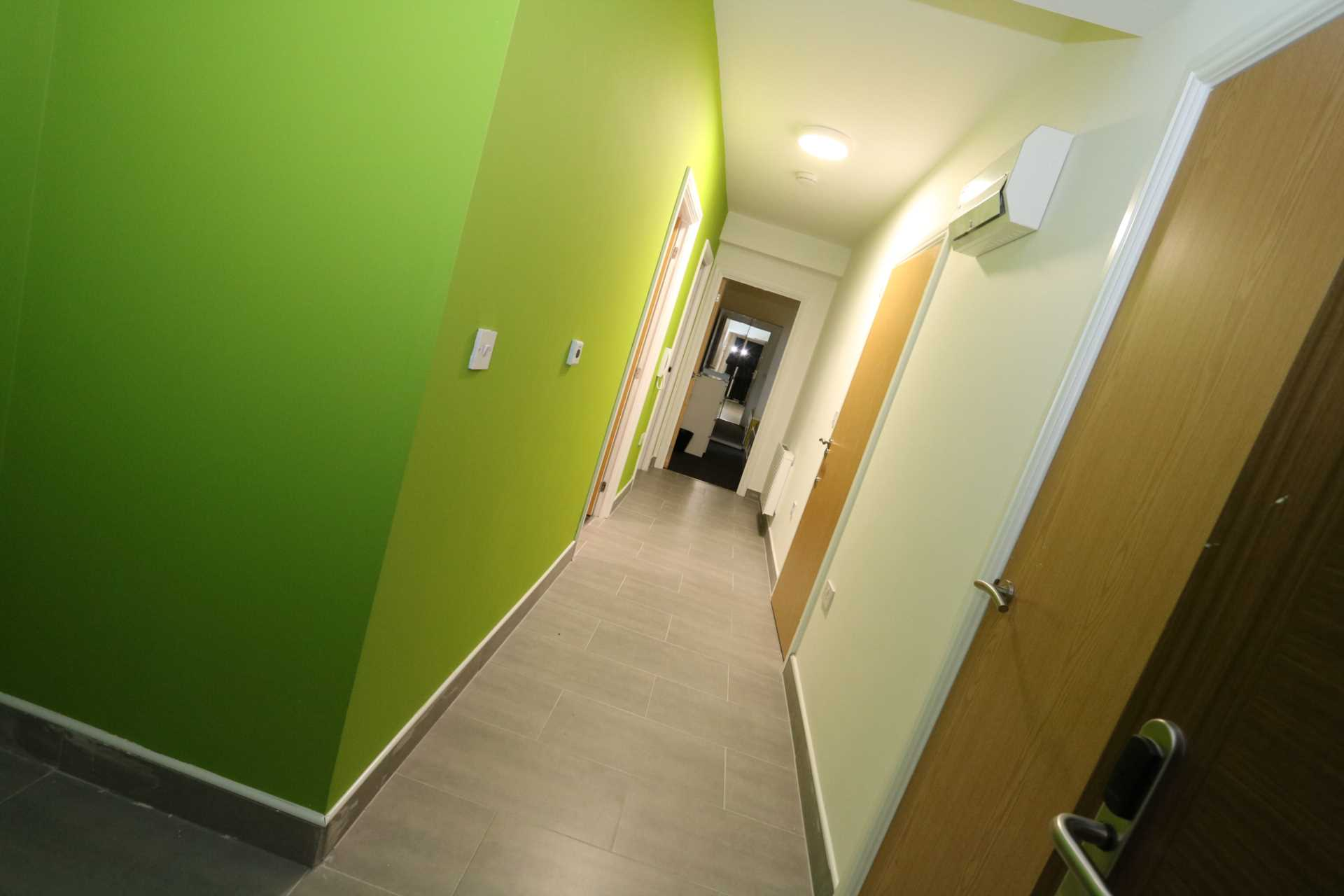 Room 9B Kings Court new development fully furnished student accommodation all bills included - NO FEES, Image 3
