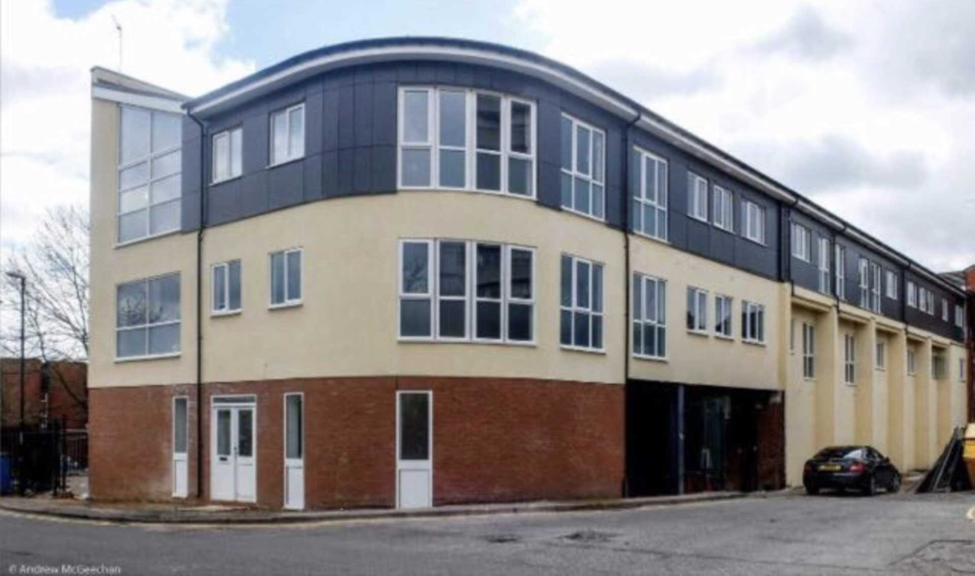 Room 1C Kings Court new development fully furnished student accommodation with en suite, all bills included - NO FEES, Image 3