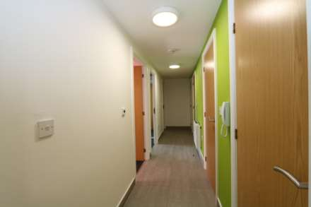 Room 1C Kings Court new development fully furnished student accommodation with en suite, all bills included - NO FEES, Image 5