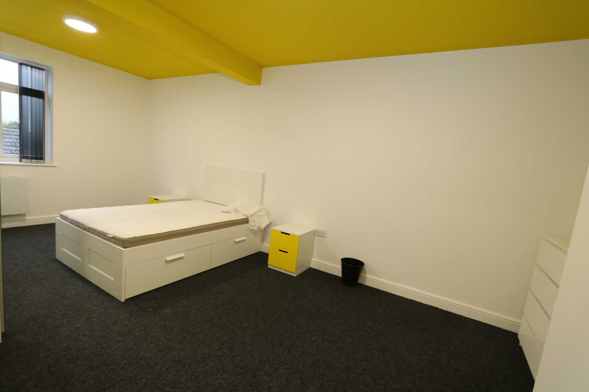 Room 8C Kings Court new development fully furnished student accommodation with en suite, all bills included - NO FEES, Image 1
