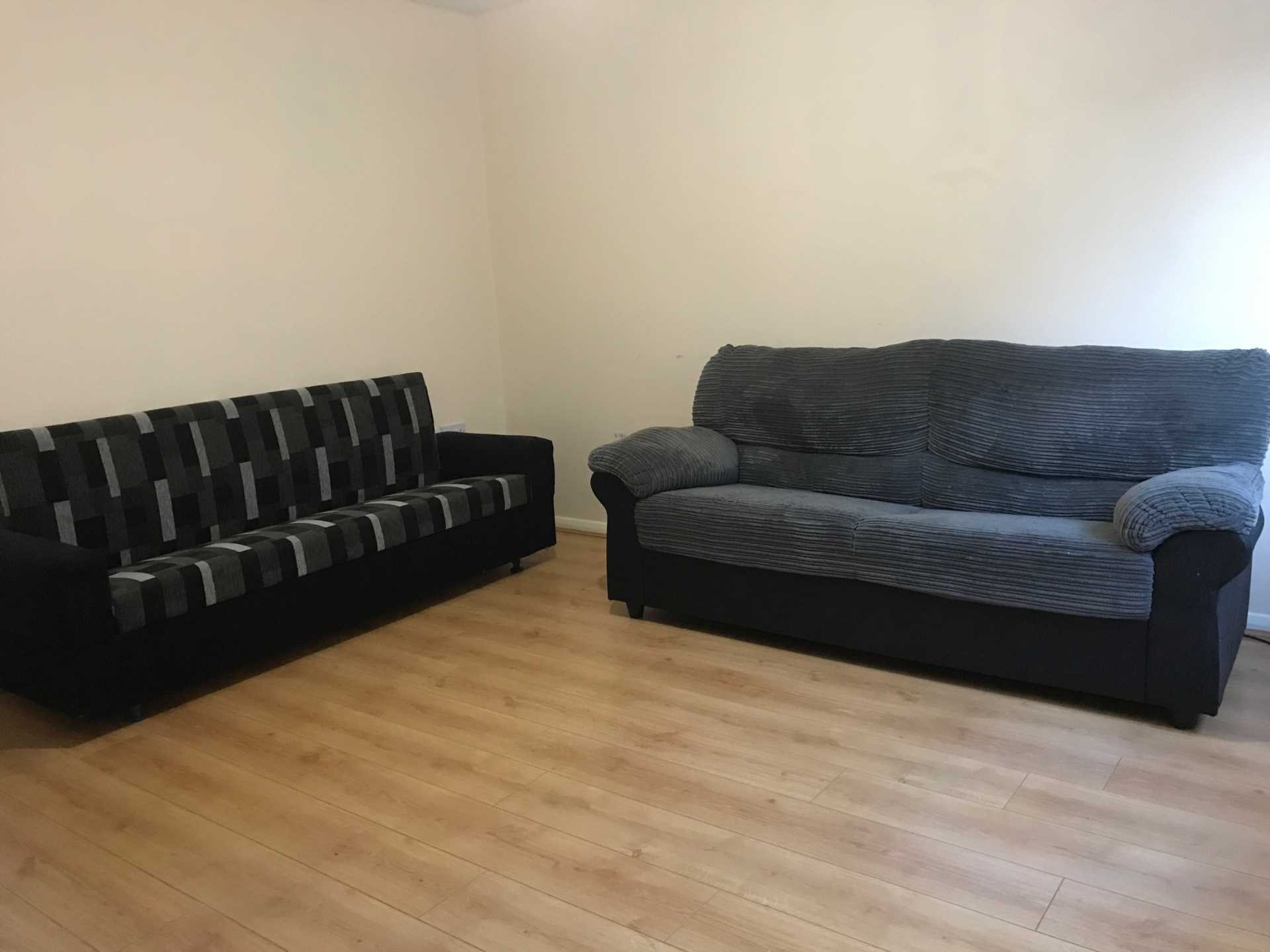 Perchfoot Close - 3 bedroom student home fully furnished, WIFI & bills included - NO FEES, Image 6