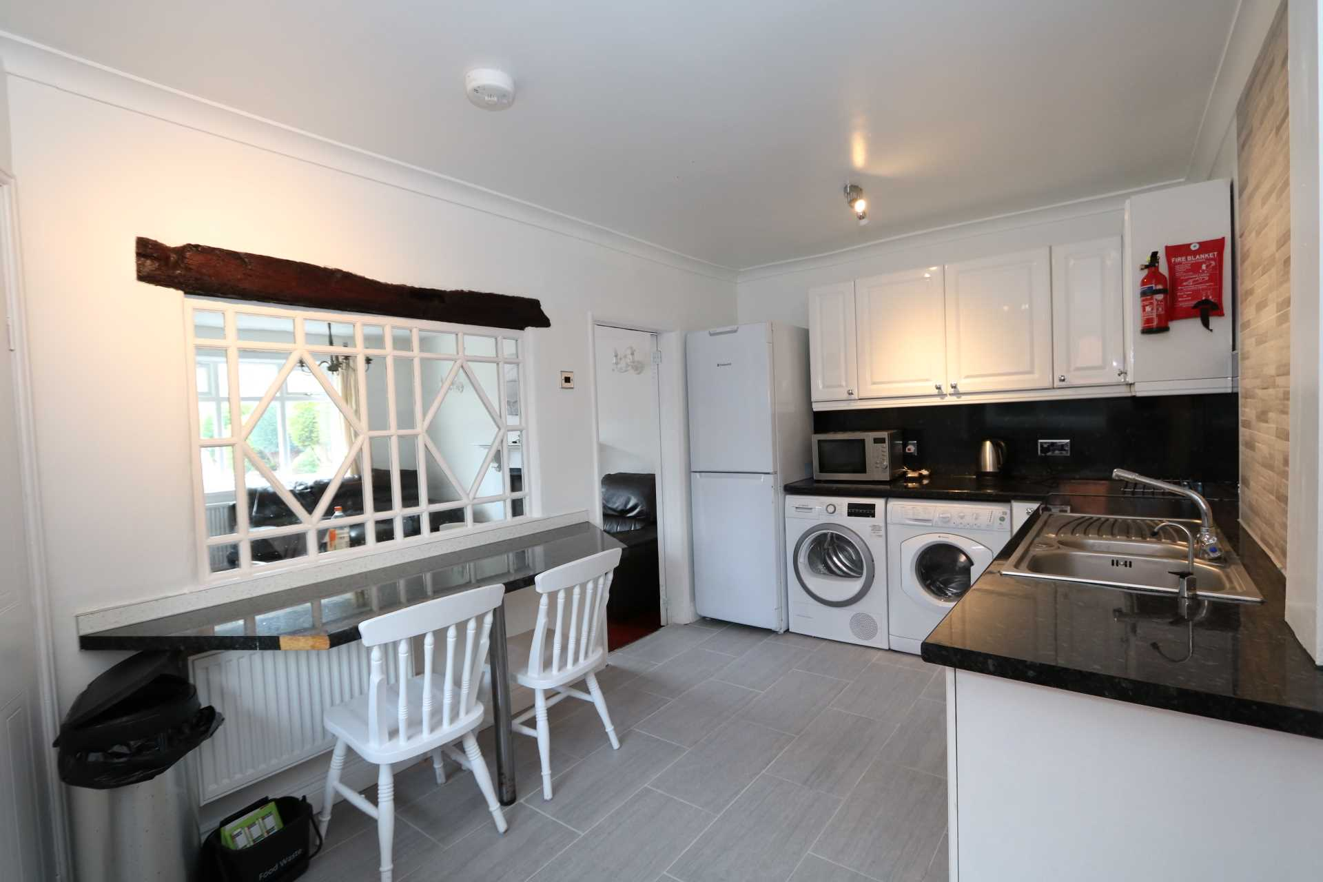 Cornwall Road - 4 bedroom student home fully furnished, WIFI & bills included - NO FEES, Image 4