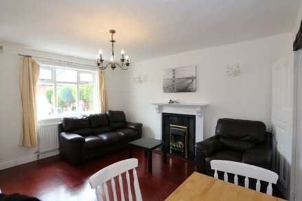 Cornwall Road - 4 bedroom student home fully furnished, WIFI & bills included - NO FEES, Image 6
