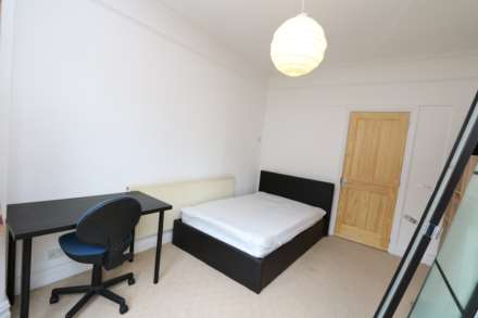 Gresham Street - 4 bedroom student home fully furnished, WIFI & bills included - NO FEES, Image 5