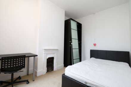 Gresham Street - 4 bedroom student home fully furnished, WIFI & bills included - NO FEES, Image 8