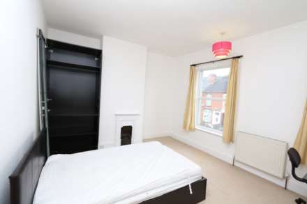Gresham Street - 4 bedroom student home fully furnished, WIFI & bills included - NO FEES, Image 9