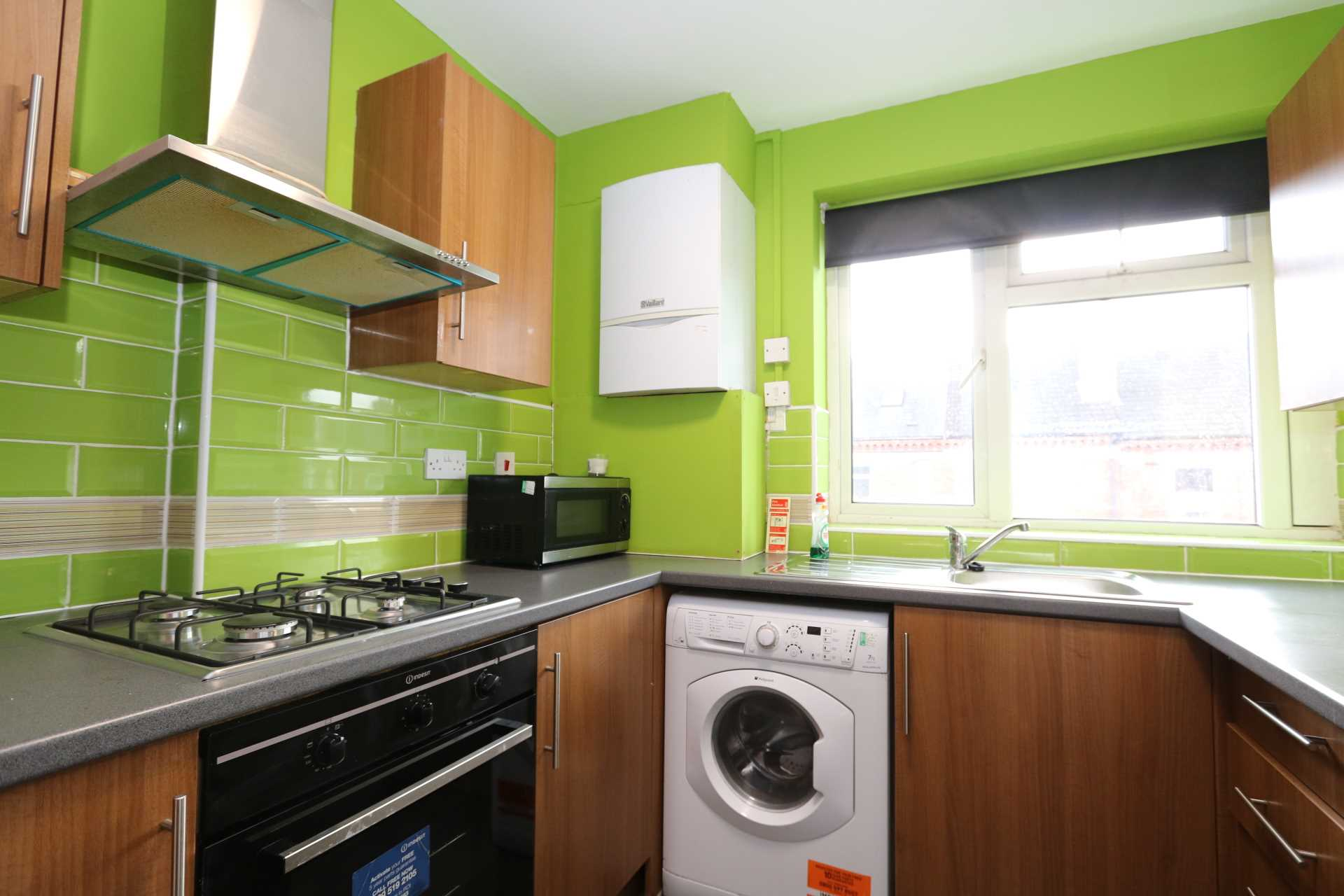 Room 1 Dysart Close - fully furnished double en-suite student room, WIFI & bills included - NO FEES, Image 4