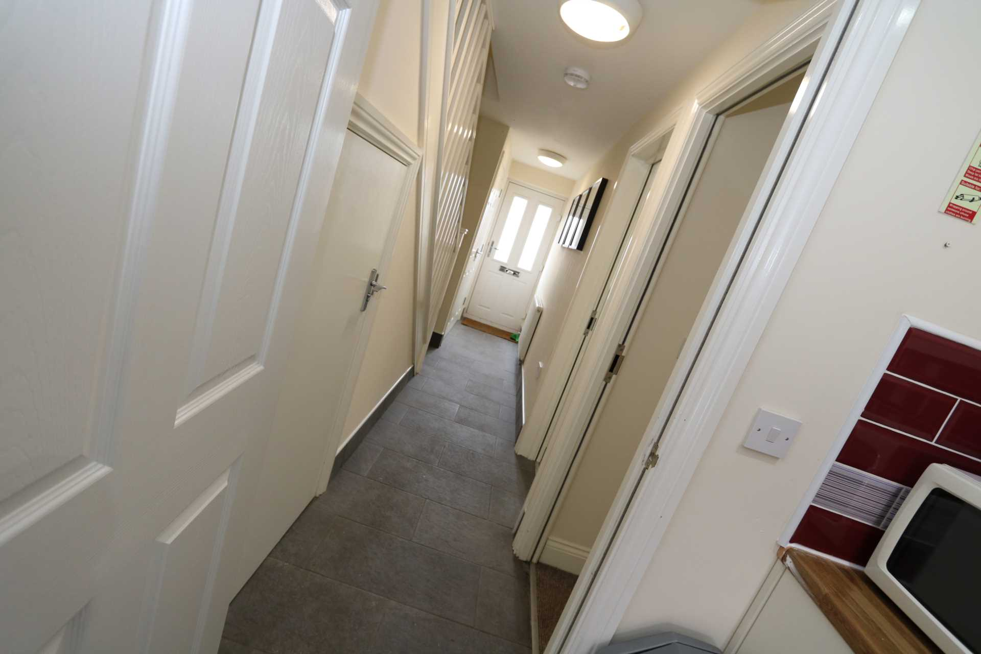 Room 1 Dysart Close - fully furnished double en-suite student room, WIFI & bills included - NO FEES, Image 5