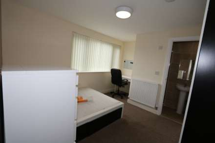 Room 1 Dysart Close - fully furnished double en-suite student room, WIFI & bills included - NO FEES, Image 1