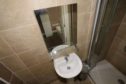 Room 1 Dysart Close - fully furnished double en-suite student room, WIFI & bills included - NO FEES, Image 2