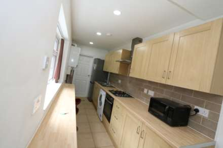 Room 1, Landsdown Street - 4 bedroom 4 bathroom, student home fully furnished, WIFI & bills included - NO FEES, Image 3