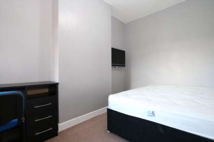 1 Bedroom Room (Double), Room 3, Browning Street - 4 bedroom student home fully furnished, WIFI & bills included - NO FEES