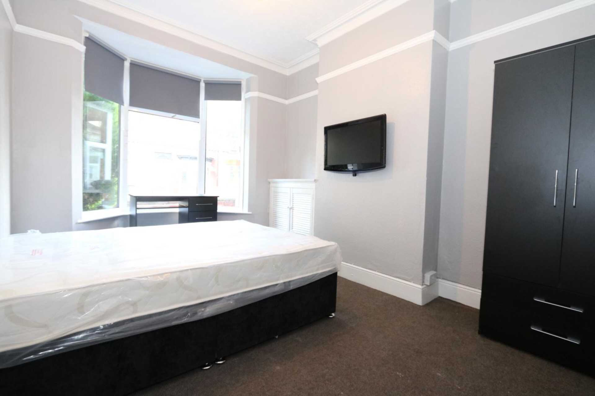 Gaul Street - 3 bedroom student home fully furnished, WIFI & bills included - NO FEES, Image 2