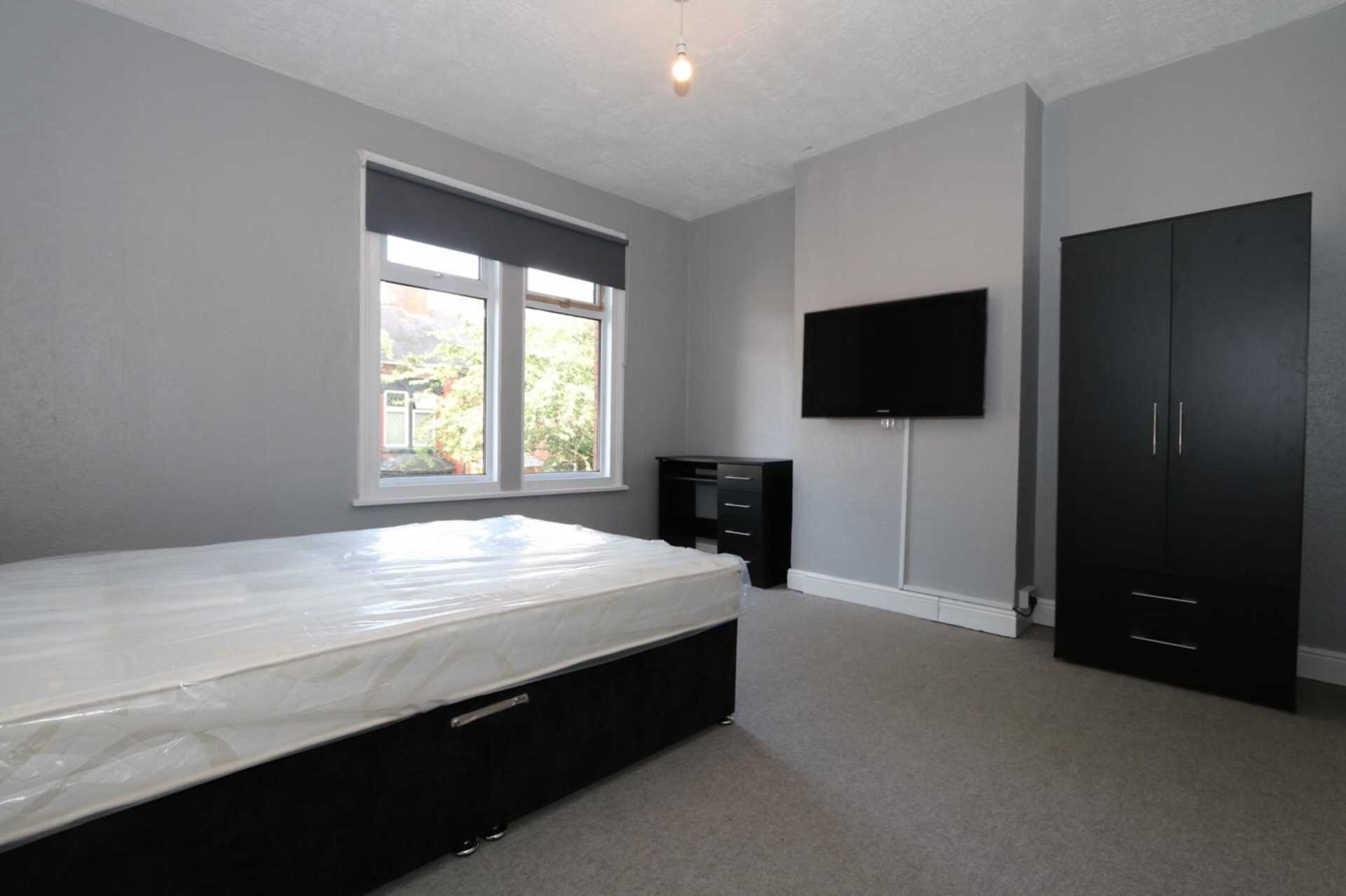 Gaul Street - 3 bedroom student home fully furnished, WIFI & bills included - NO FEES, Image 3