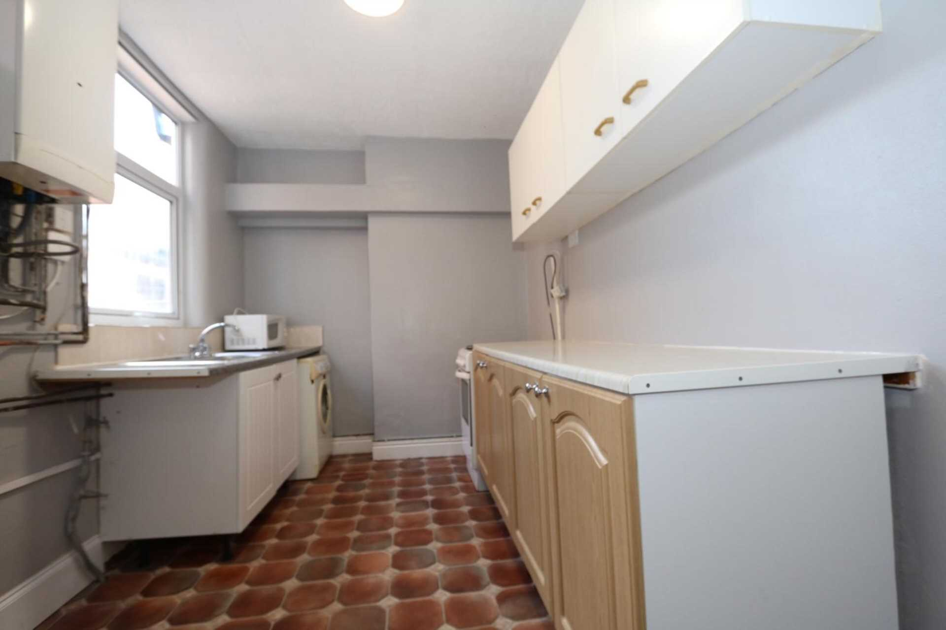 Gaul Street - 3 bedroom student home fully furnished, WIFI & bills included - NO FEES, Image 6