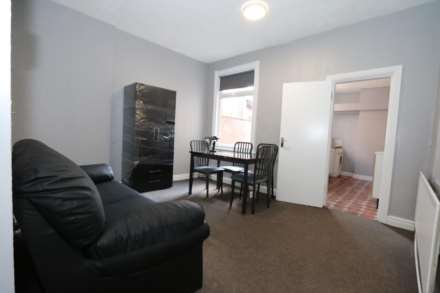Gaul Street - 3 bedroom student home fully furnished, WIFI & bills included - NO FEES, Image 1