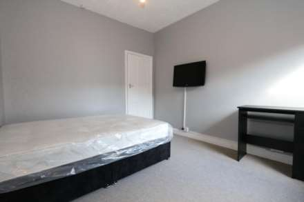 Gaul Street - 3 bedroom student home fully furnished, WIFI & bills included - NO FEES, Image 4