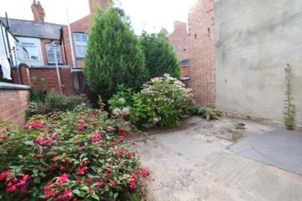 Gaul Street - 3 bedroom student home fully furnished, WIFI & bills included - NO FEES, Image 7