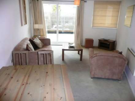 1 Bedroom Apartment, Wooldridge Close, Feltham