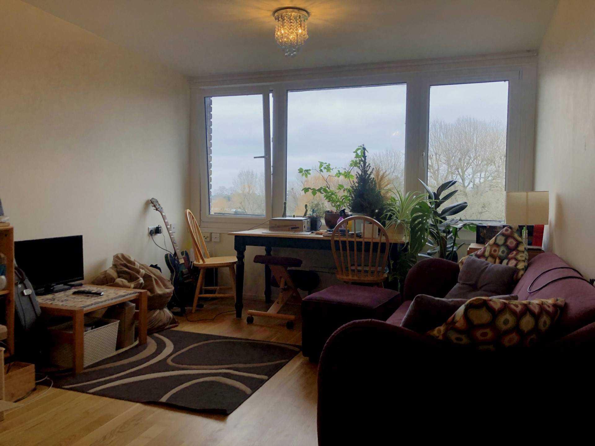 Xavi & Co - 1 Bedroom Flat, Otho Court, Brentford